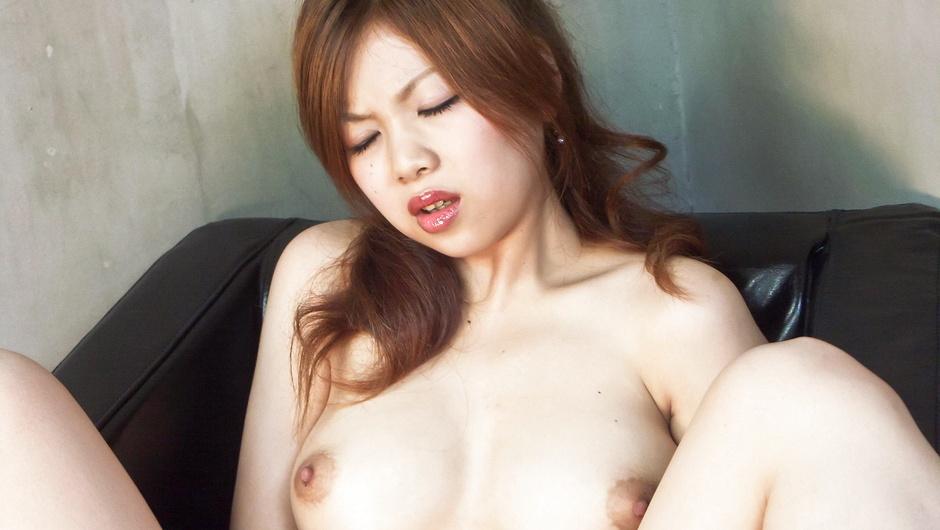 Hot Rika Kurogawa sticks vibrator in pussy – JAVHD