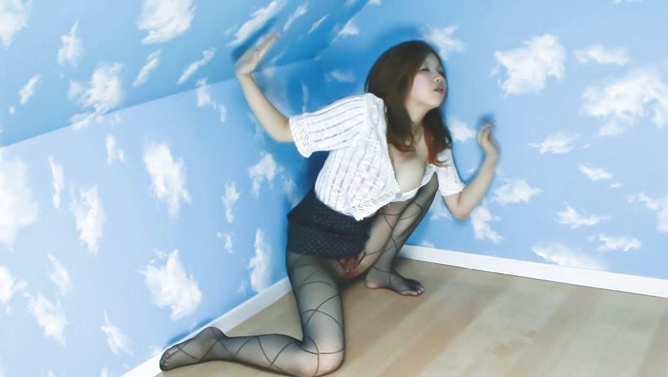 Rika Kurogawa sucks stiffy in the bathtub – JAVHD
