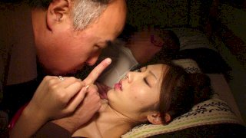 [COM-207] 噴出阿克梅 妻子 丈夫 睡覺 附近 被 男人 連續 打 ... - R18